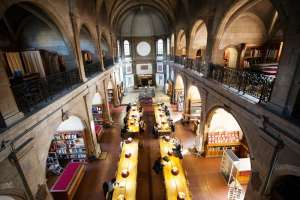 La bibliothèque de Dijon, temple du savoir et trésor du passé