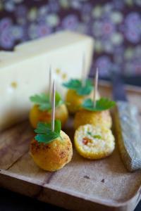 Recette : cromesqui de polenta au gruyère de France et tomates confites
