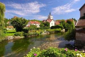 Bèze, bientôt le village préféré des Français ?