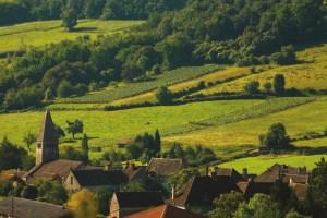 Bourgogne-Côte-Chalonnaise, l'étoffe d'un village