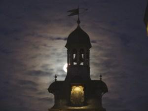 Nuits-Saint-Georges, objectif Terre-Lune