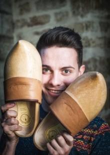 Le jeune Stéphane, un passionné qui n'a pas les deux pieds dans le même sabot : « Rien de ringard dans le folklore ». ©Michel Joly