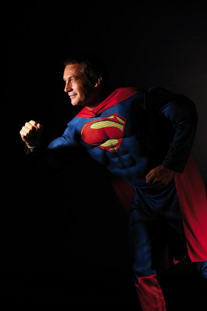 Sérieux en affaires et souple dans la forme, Benoit Willot a accepté volontiers de poser en « Super Super U » avant de remettre son costume de « civil ».