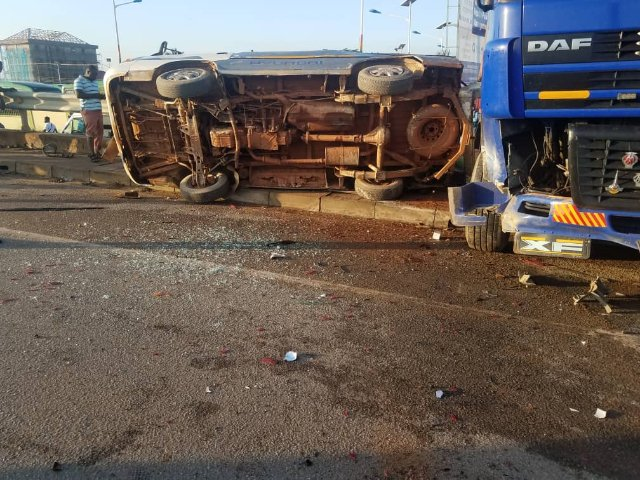 ACCIDENT AT OF ANLO OVERPASS 15 PEOPLE IN CRITICAL CONDITION. dikoder.com