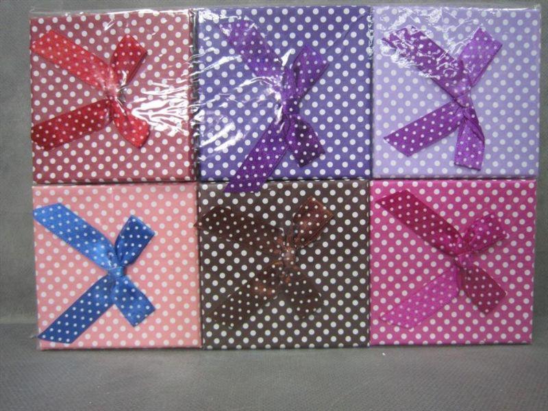 קופסאת תכשיטים מגוון צבעים