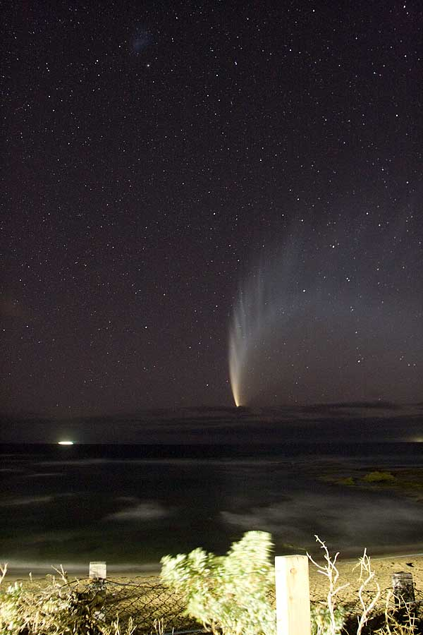 Comet McNaught with a 400D