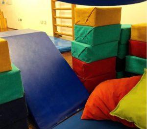 Cosa si intende per GIOCO SIMBOLICO e perchè è così importante per i bambini?