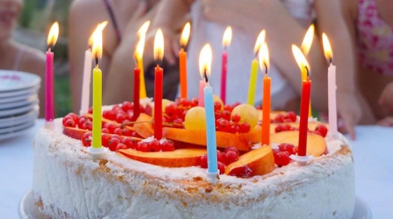 Kue Ulang Tahun Anak dengan Lilin