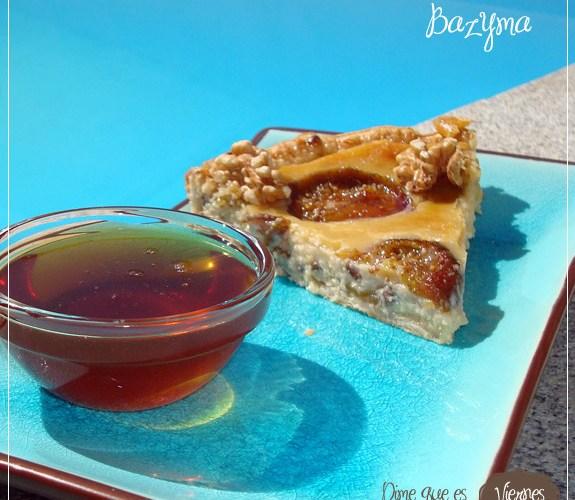 Bazyma   {Tarta de Higos con queso, miel y nueces}