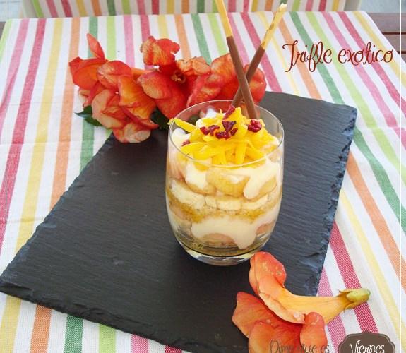 Trifle exótico  {paraguaya, platano y virutas de mango}