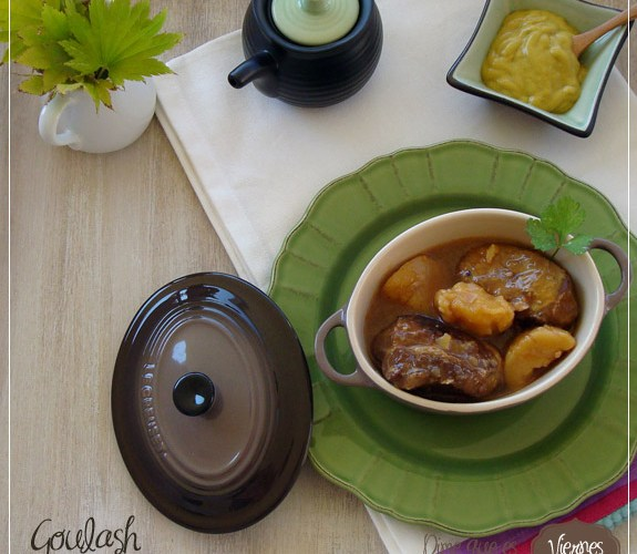 Goulash  {Carrillada de ternera estofada}