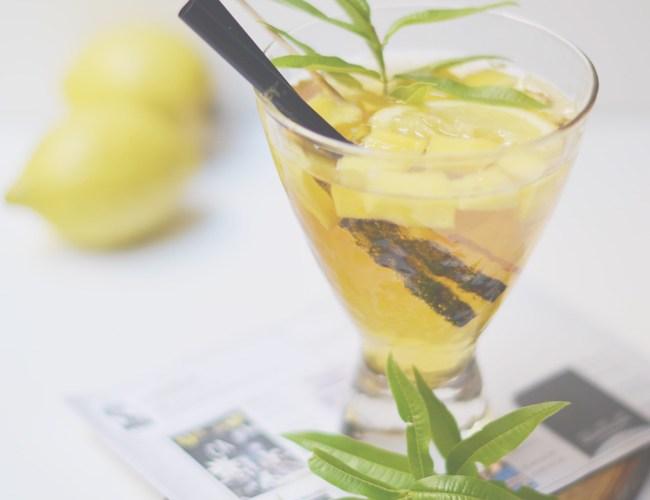 Cocktail La Malhablada y Tartar de salmón ahumado con aguacate