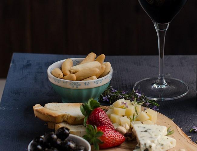 Cómo preparar una mesa de quesos perfecta en casa