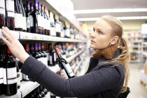 increase sales ond, woman in a wine store