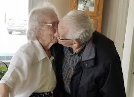 Elderly Couple Married 69 Years Share Heartbreaking Goodbye Kiss