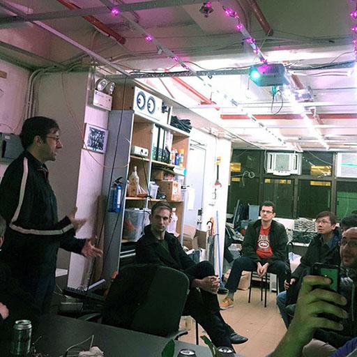 Hans Lachman presenting GNU Social