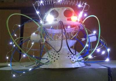 CASCO LECTOR DE MENTES PARA GRAN TEATRO PRINCIPE PIO (La Estación): nuestro casco ficticio con luz led. - See more at: file:///C:/Users/fabia/Desktop/dinamic%20html/index.html#sthash.gWOliZST.dpuf