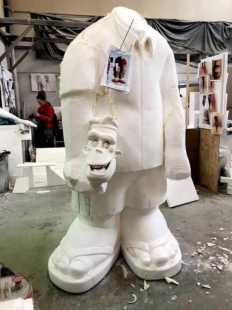 Fase de escultura a tamaño real Fran Transilvania 3