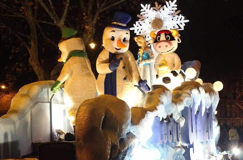 Carroza de Navidad en la cabalgata de Zamora 2019. Leche Gaza