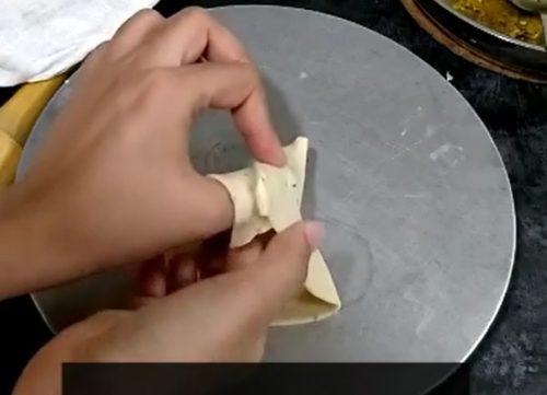 Shaping Samosa