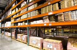 Stockage et reconditionnement de marchandises