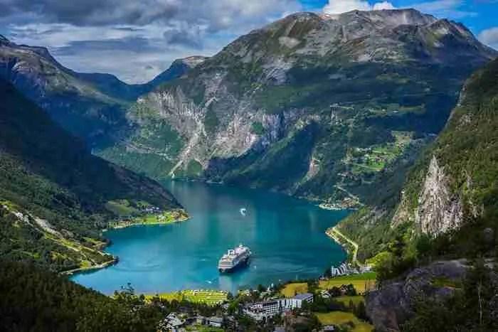 Η μαγεία και η ομορφιά των φιόρδ της Νορβηγίας μέσα από 20 εξαιρετικές φωτογραφίες