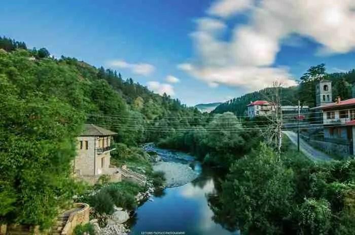 Δύσκολο να το πιστέψεις αλλά αυτό το παραμυθένιο χωριό βρίσκεται στην Ελλάδα!
