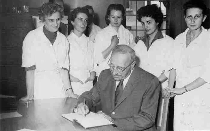 Η άγνωστη ζωή του γιατρού Παπανικολάου που έσωσε εκατομμύρια γυναίκες με το Τεστ Παπ