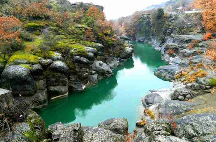 Ο μεγαλύτερος ποταμός της Ελλάδας με την ανεπανάληπτη ομορφιά