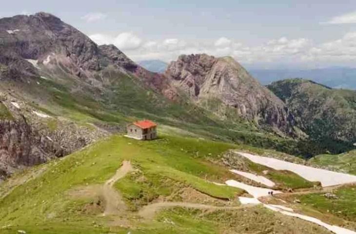Αλπικό πανόραμα στην καρδιά της Ρούμελης: Το βουνό που ο Στράβωνας αποκαλούσε «μέγιστον όρος»