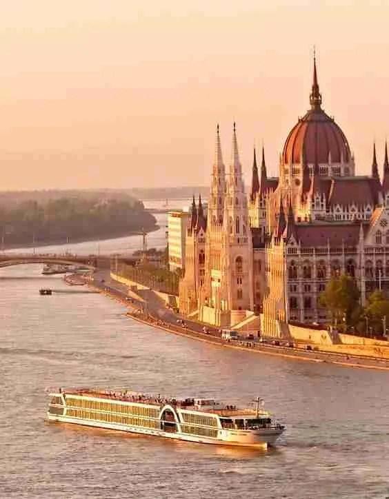 Βουδαπέστη: Το διαμάντι του Δούναβη και τα υπέροχα μυστικά του