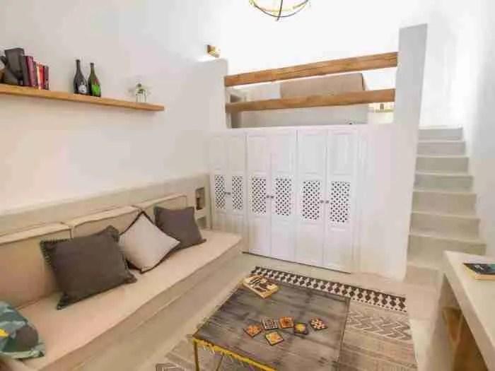 Το πιο περιζήτητο σπίτι Airbnb του κόσμου βρίσκεται στη Σαντορίνη και είναι εντυπωσιακό