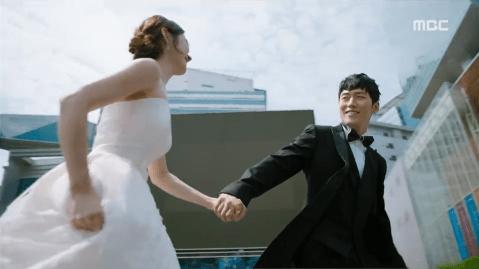 Jang Hyuk and Jang Na-Ra in Fated to Love You