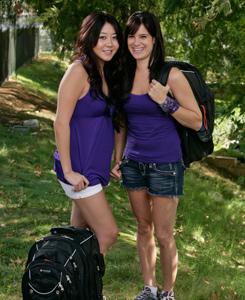 Maria & Tiffany Amazing Race 15