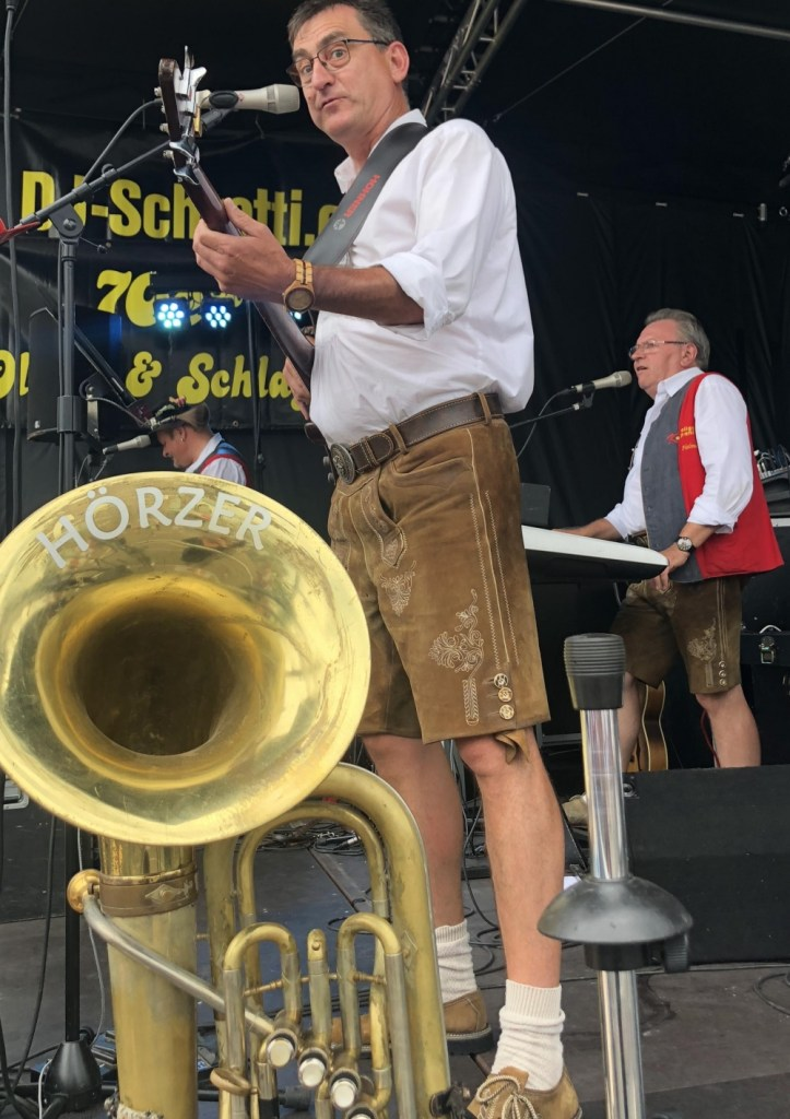 Band playing Zuri Fascht 2019 in Missing The Swiss While jet-lagged and hoarding chocolate www.diningwithmimi.com