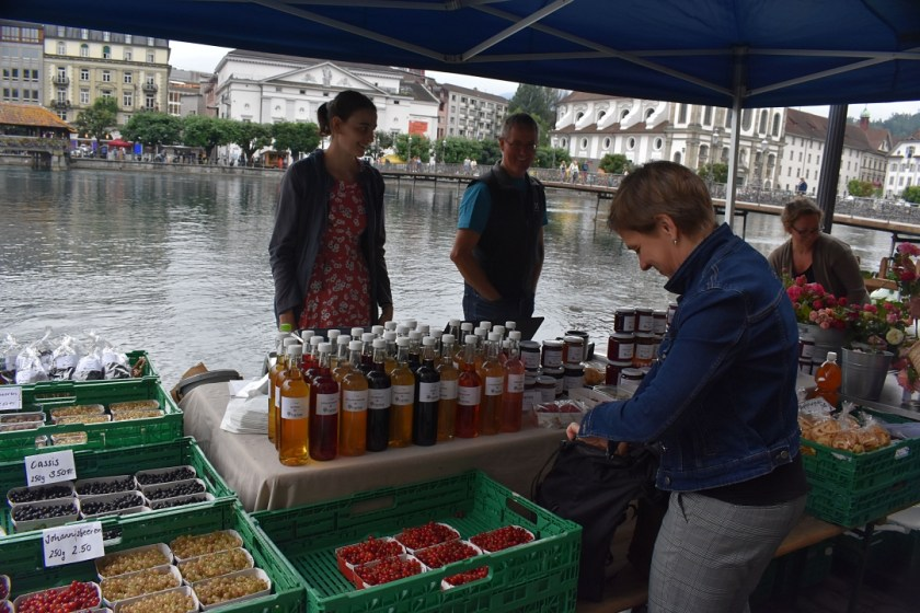 Market vendor by Chapel Bridge for Luzern Lucerne How I love thee Let me count the ways www.diningwithmimi.com