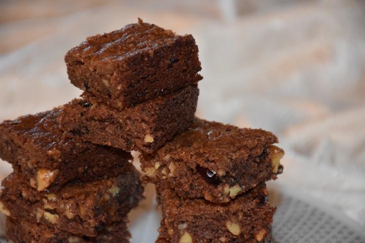 Mimi's Gluten Free Nutty Fudge Indulgent Brownies with Coconut www.diningwithmimi.com