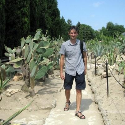 In mijlocul colectiei de cactusi de la Balcic