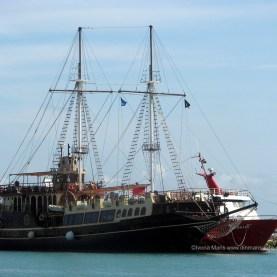 Nava piratilor care ne-a gazduit cu o zi inainte.