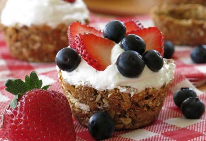 No Bake Mini Cheesecakes In Pretzel Crust Cups The Dinner Mom