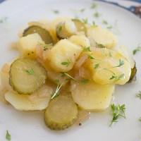 Kartoffelsalat - jederzeit willkommen, aber immer ohne Mayo!
