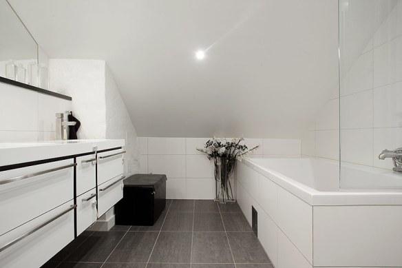 decoración baño ático abuhardillado