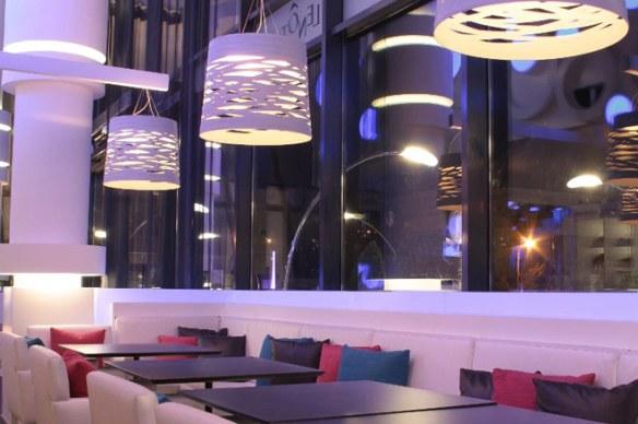 Restaurante-iluminado-por-Foscarini5