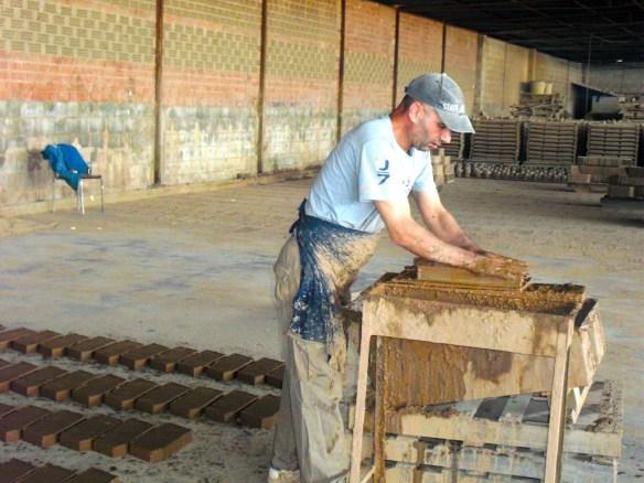 Desmoldando ladrillos