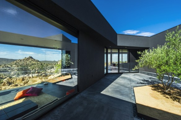 The black desert house 13