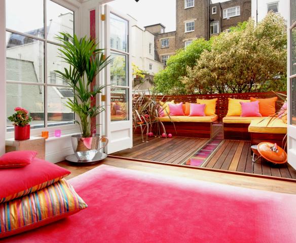 terraza rosa y naranja