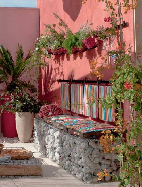 terraza rosa y cantos