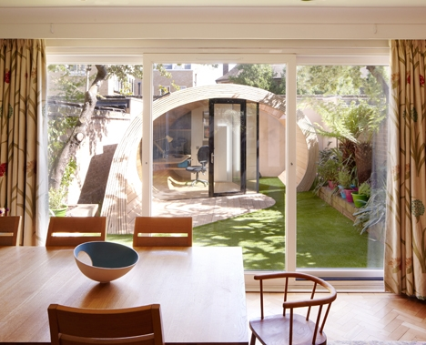 casa jardin madera 2