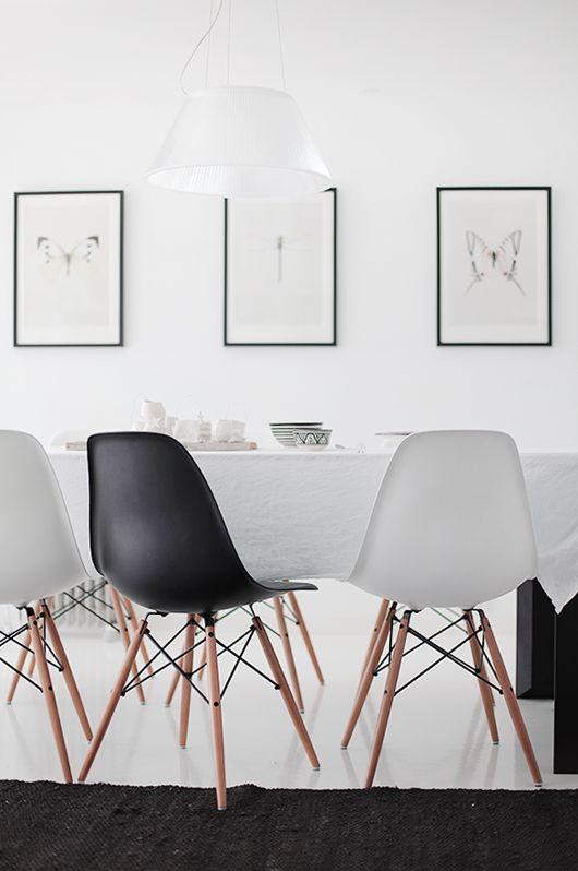 Sillas Eames blanco y negro