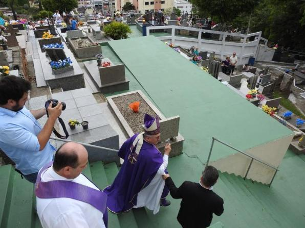 melhores-finados-blumenau-cemiterio-sao-jose-34